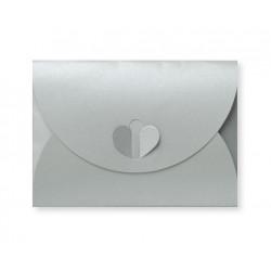 envelop met hartsluiting metallic silver 8 x 11,4 cm